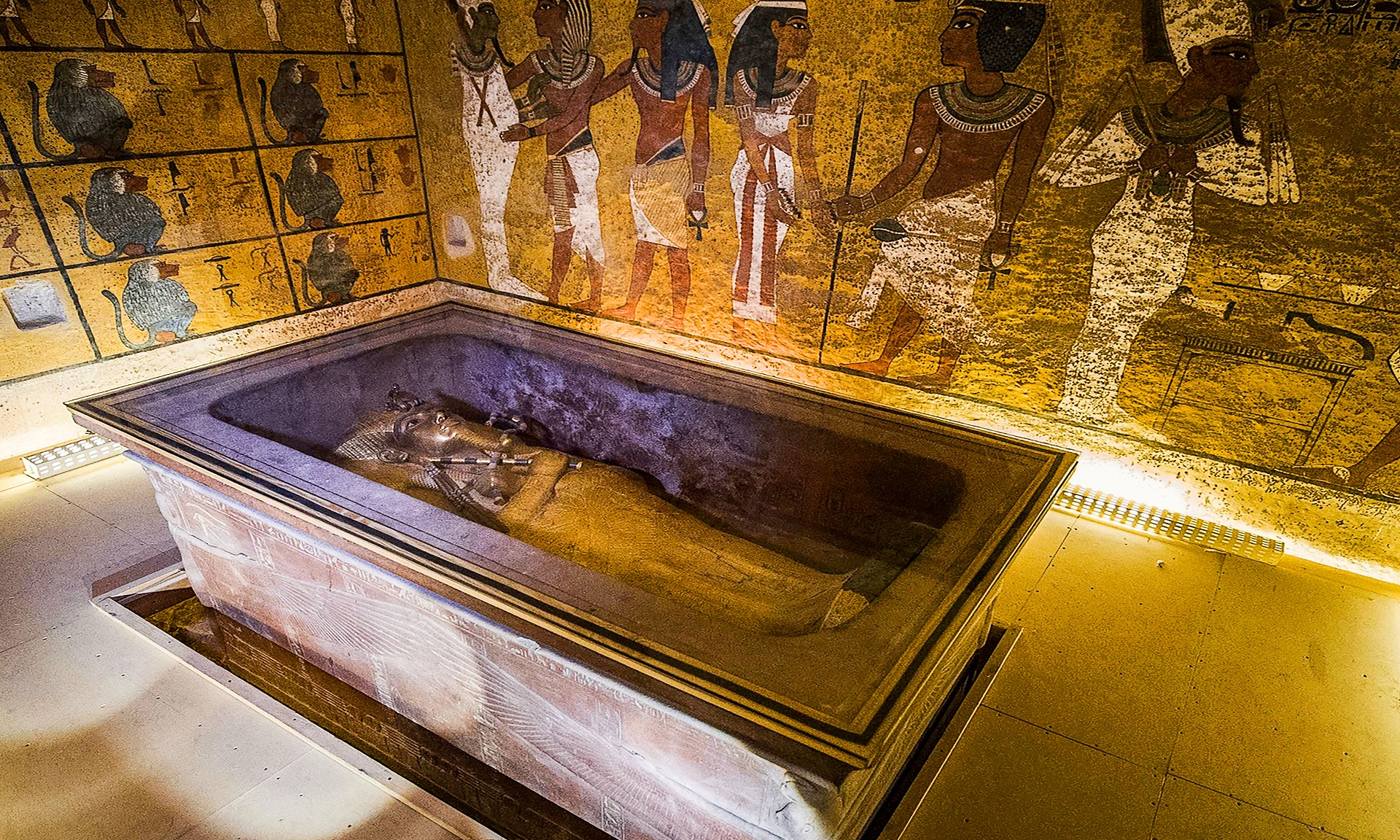 discover now about the truth of King Tut's Tomb, who found it and what was found in there, Find out now about the whole truth of it